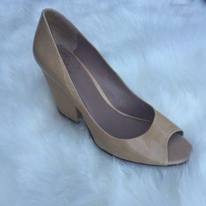 Vince Camuto  Block Heel Open Toe Nude Shoes 9/39